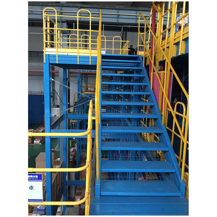 Lối cầu thang lên tầng lửng kệ sàn mezzanine