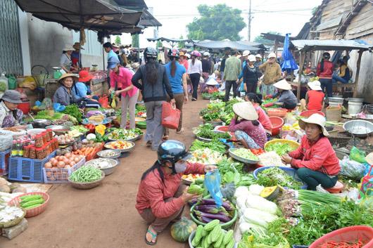Liệu người nông thôn có thể từ bỏ thói quen đi chợ?