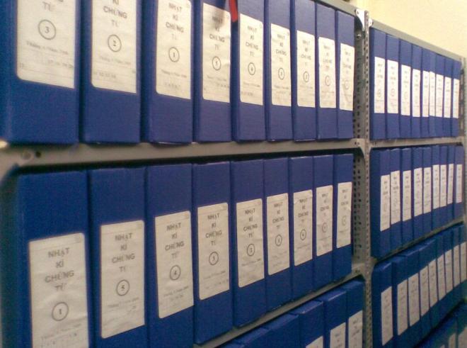 Kệ để lưu trữ hồ sơ, tài liệu 3 tầng