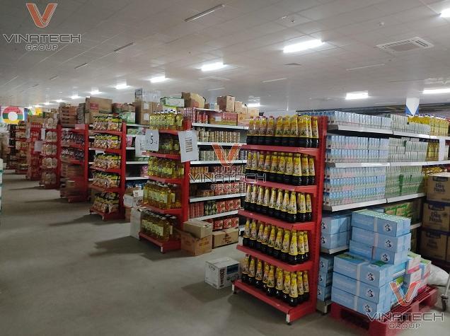 Sản xuất và lắp đặt kệ siêu thị cho khách hàng