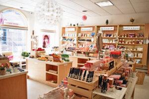 Các bước mở cửa hàng mỹ phẩm & những kinh nghiệm quý báu
