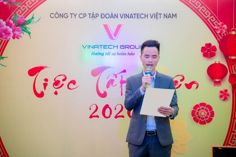 Ông Phạm Văn Khánh – Phó Tổng Giám đốc Tập đoàn Vinatech phát biểu khai mạc chương trình