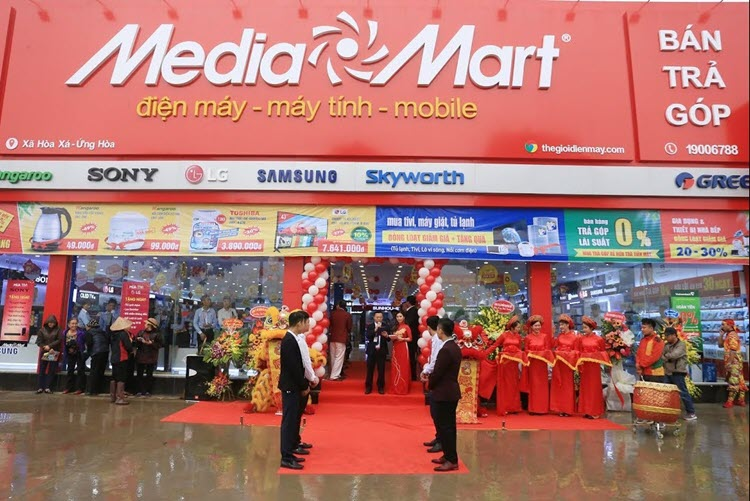Nên mua hàng ở Media Mart hay Điện Máy Xanh?